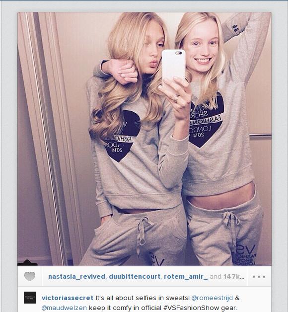 Le modelle di Victoria's Secret in modalità selfie